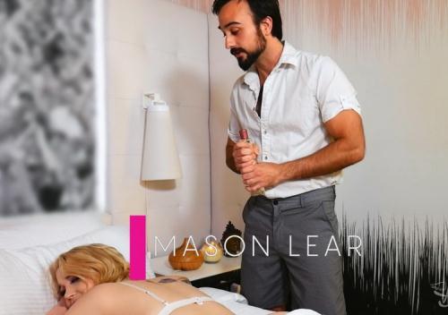 Gracie Jane, Mason Lear - Sneaky Masseur (FullHD)