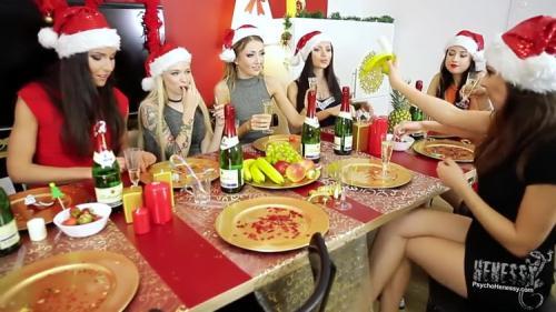 Arteya, Sasha Rose, Henessy, Lovenia Lux, Nataly Gold, Empera, Taissia Shanti - Horny Santa For Real Agent Girls (FullHD)